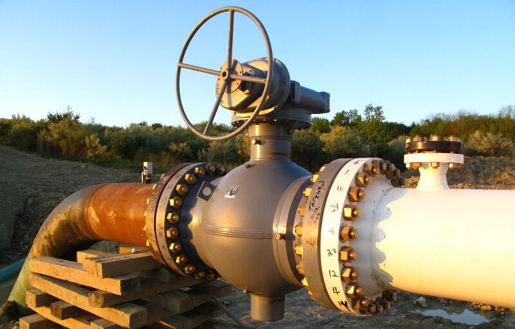стальные задвижки на газопроводе